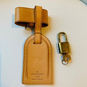 Authentic Louis Vuitton Large Luggage tag